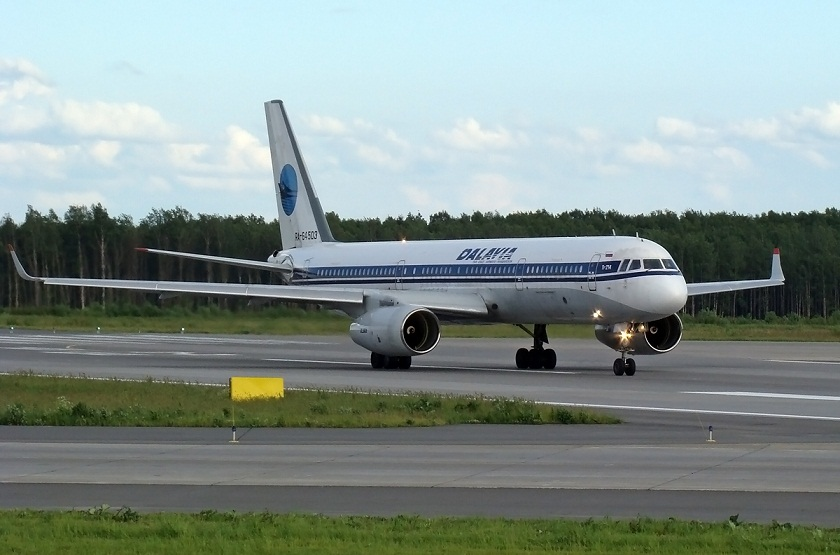 Борт RA-64503 отправляется в полёт.